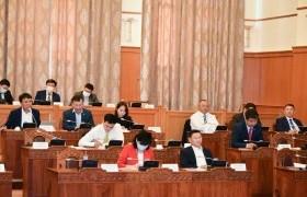 Монгол Улсын нэгдсэн төсвийн 2020 оны төсвийн хүрээний мэдэгдэл, 2021-2022 оны төсвийн төсөөллийн тухай хуульд өөрчлөлт оруулах тухай хуулийн төслийг хэлэлцэв