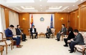 Хууль зүйн байнгын хорооны дарга С.Бямбацогт Монгол Улсын Үндсэн хуулийн цэцийн үйл ажиллагаатай танилцлаа