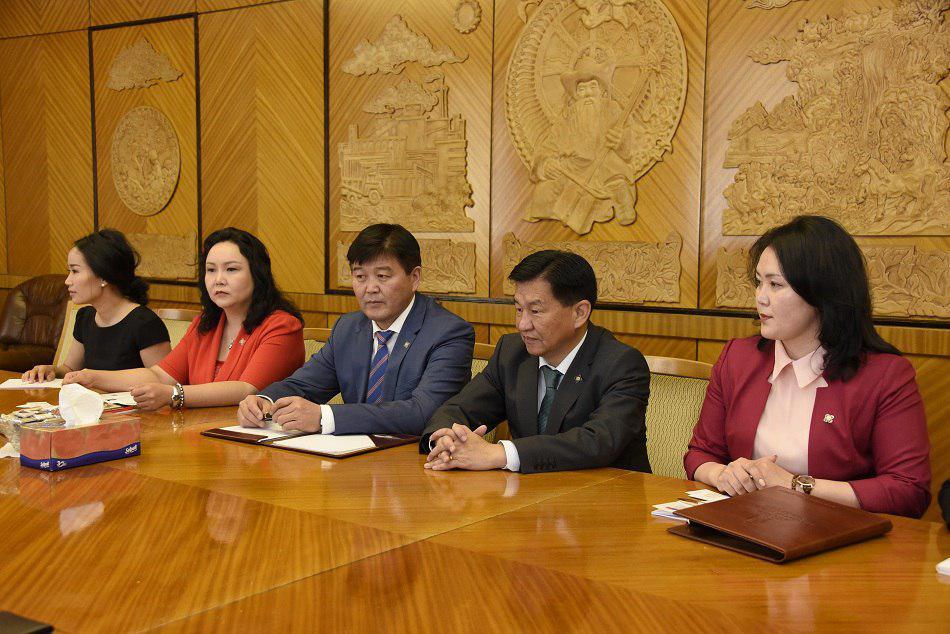 Тайландын Вант Улсын Үндэсний Хууль Тогтоох Ассамблейн гишүүн Косол Петчсуван тэргүүтэй төлөөлөгчдийг хүлээн авч уулзлаа