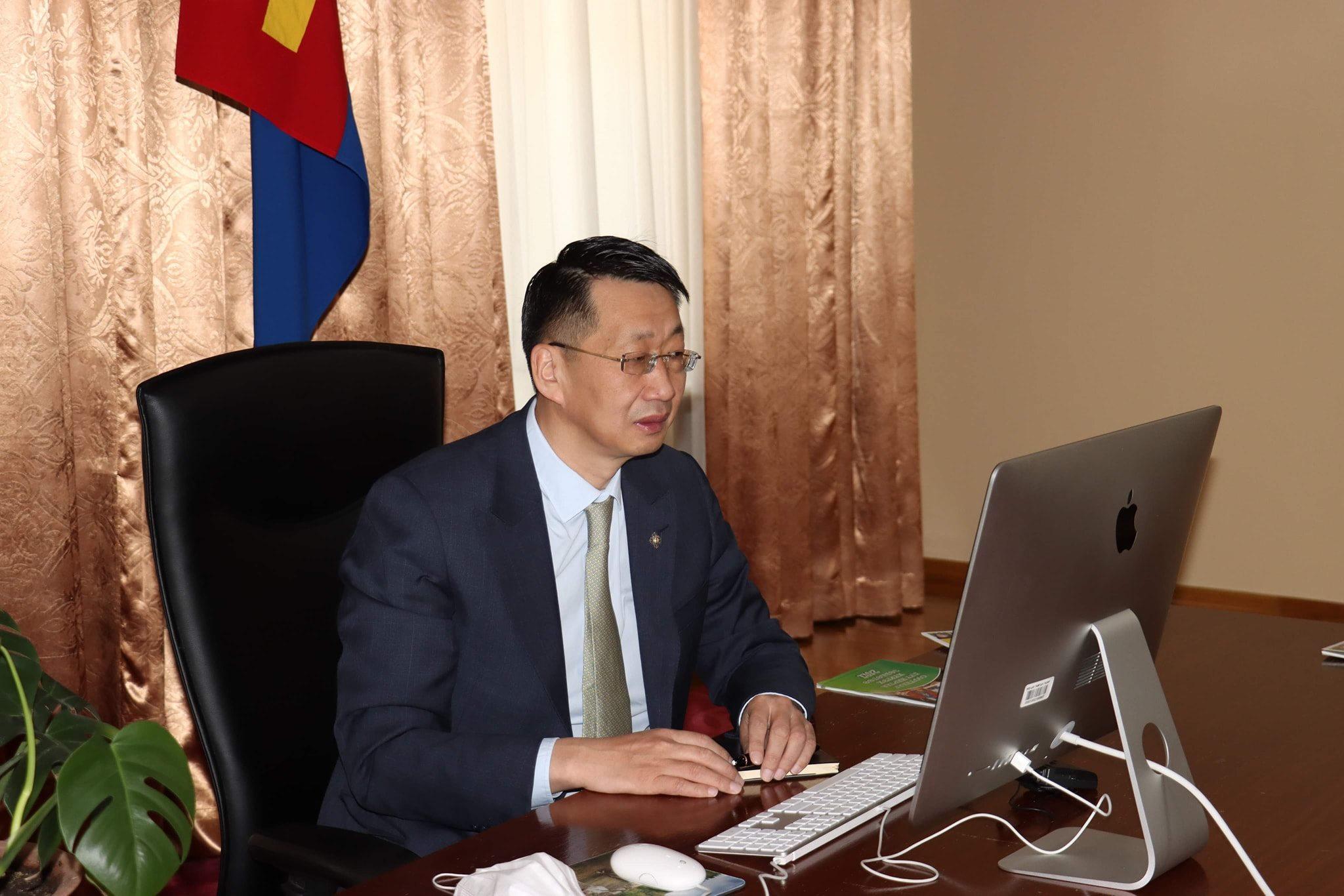 Л.Энх-Амгалан гишүүн Хөвсгөл аймгийн төгсөх ангийн сурагчидтай онлайн уулзалт хийлээ