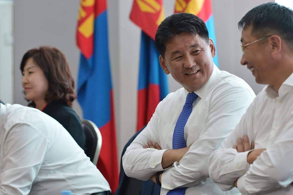 Монгол Улсын ерөнхий сайд Ухнаагийн Хүрэлсүх Хөвсгөл аймгийн иргэдтэй уулзалт хийж байна