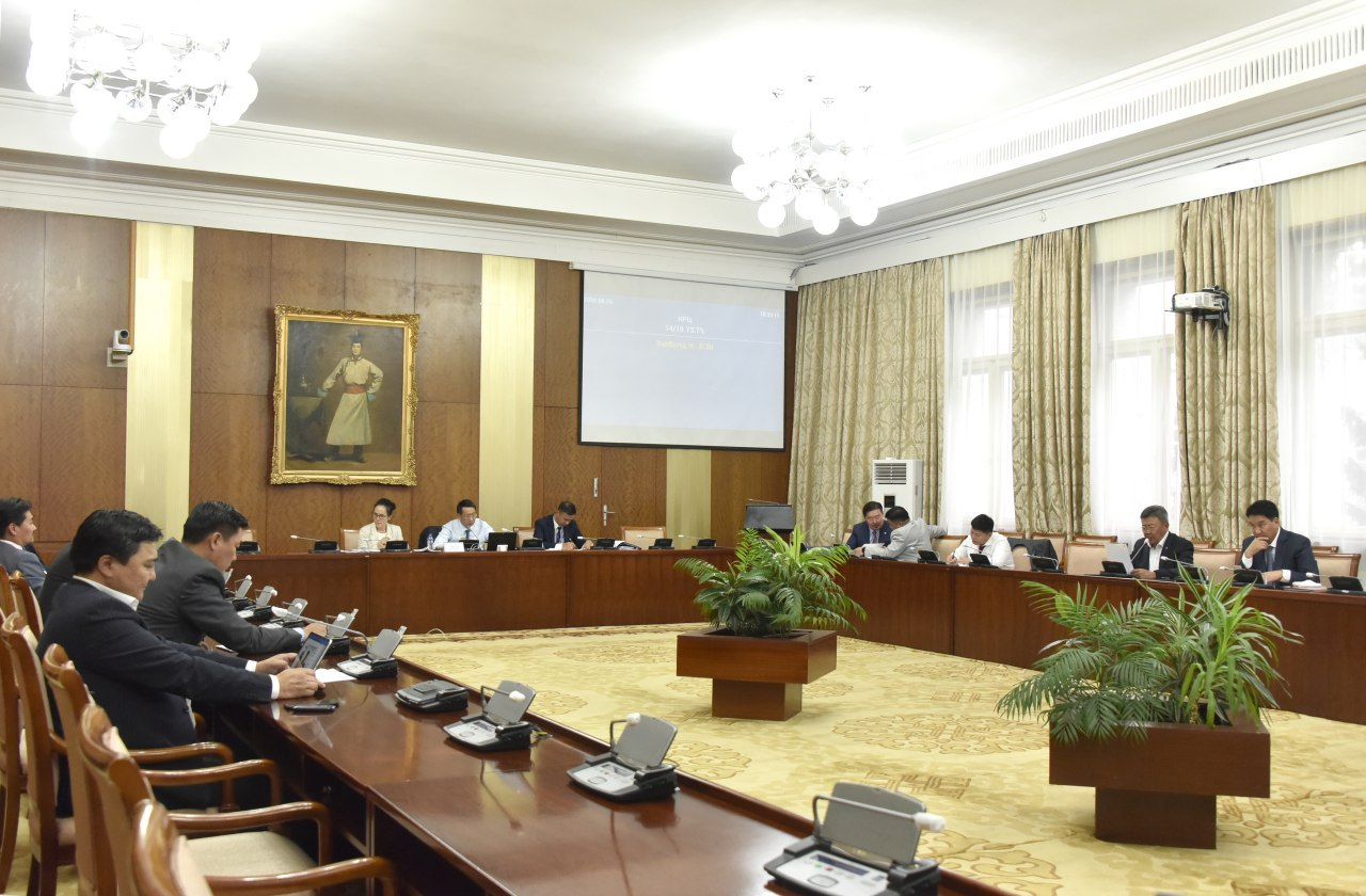 """""""Монгол Улсын Засгийн газрын 2020-2024 оны үйл ажиллагааны хөтөлбөр батлах тухай"""" Улсын Их Хурлын тогтоолын төслийн анхны хэлэлцүүлгийг хийлээ"""