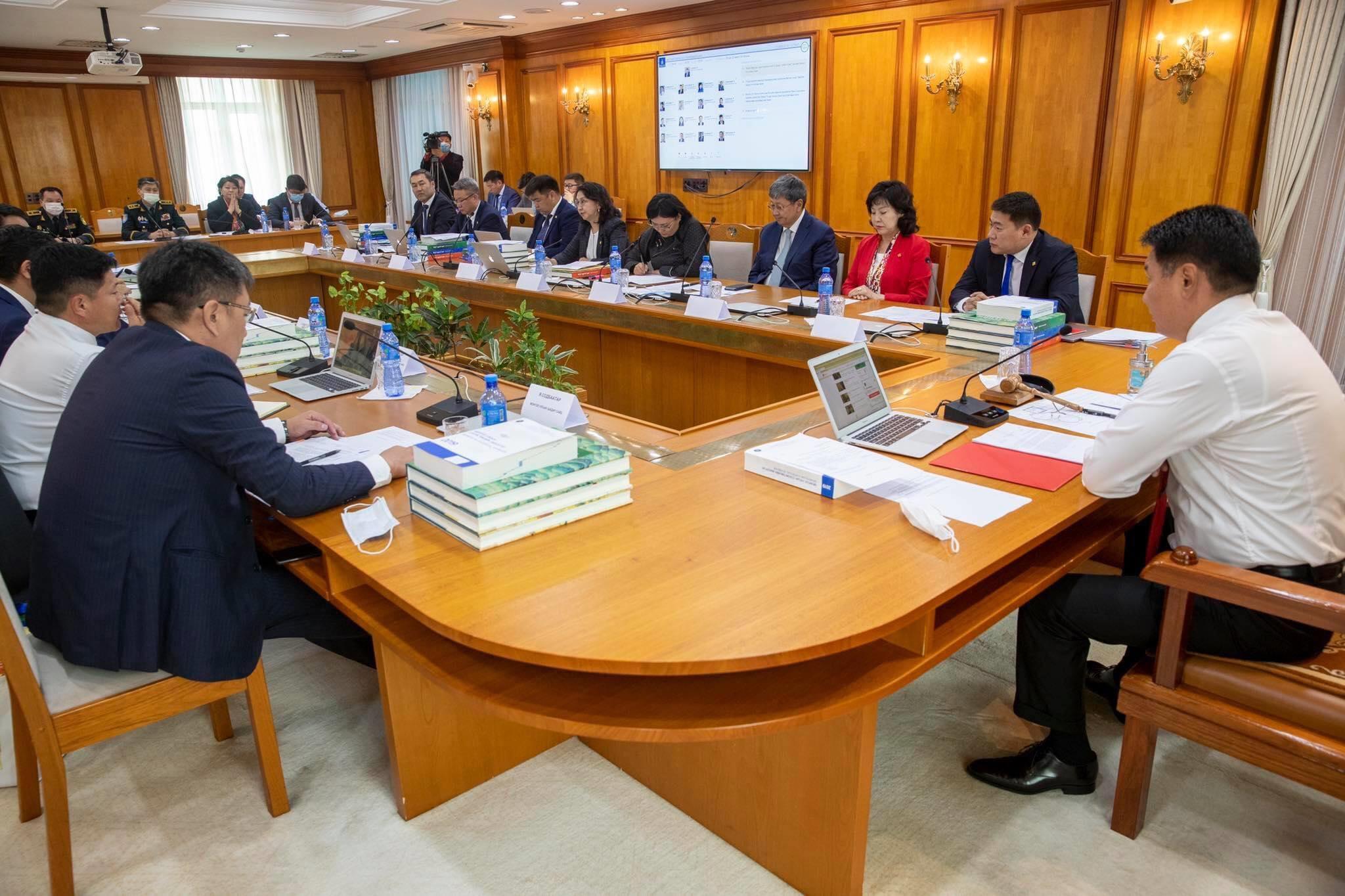 Засгийн газрын ирэх дөрвөн жилийн үйл ажиллагааны хөтөлбөрийг хэлэлцэв