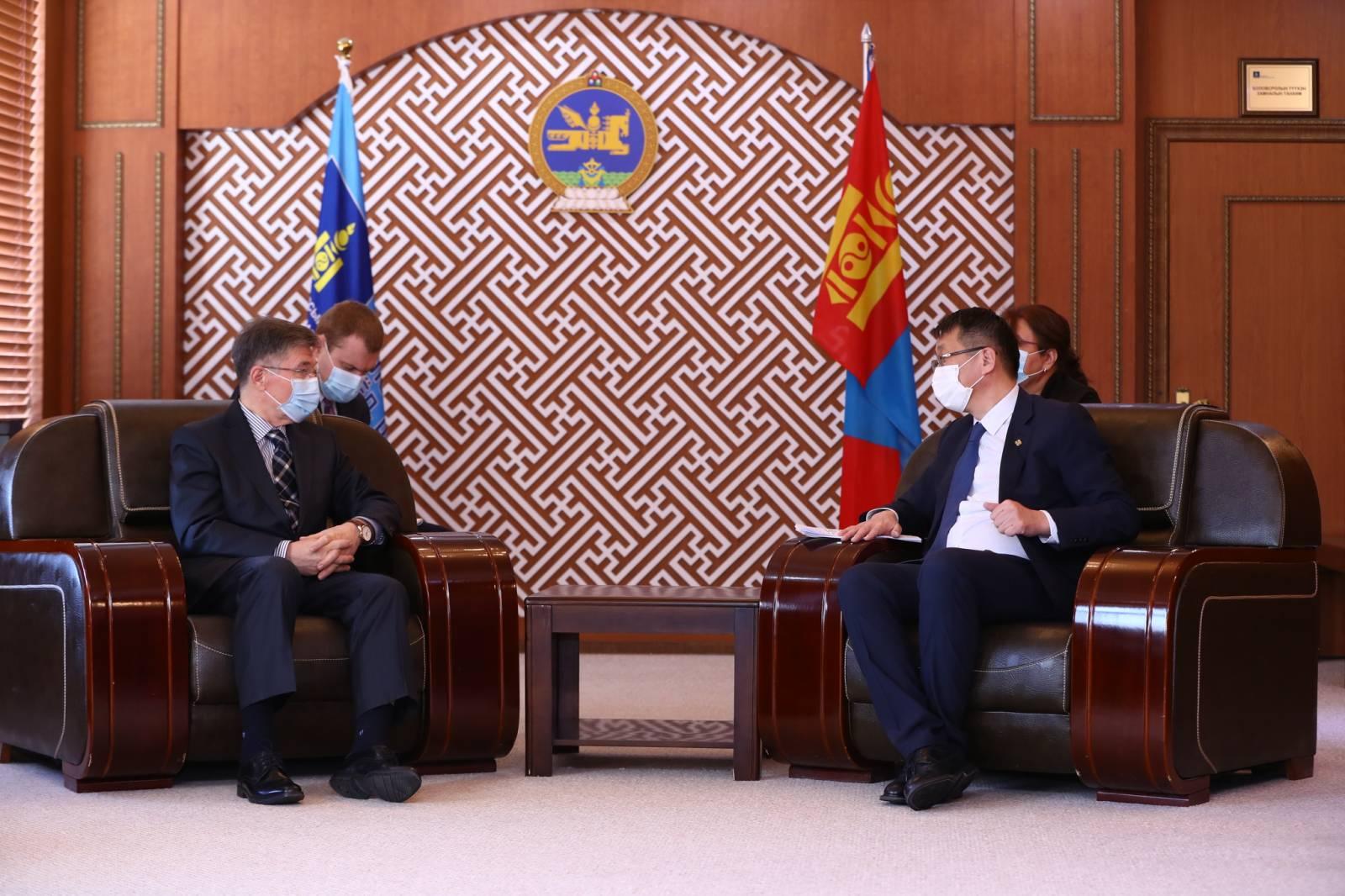 ОХУ-ын Засгийн газар Монгол Улсад олгох тэтгэлгийн тоог нэмэгдүүлж, 550 квот болголоо