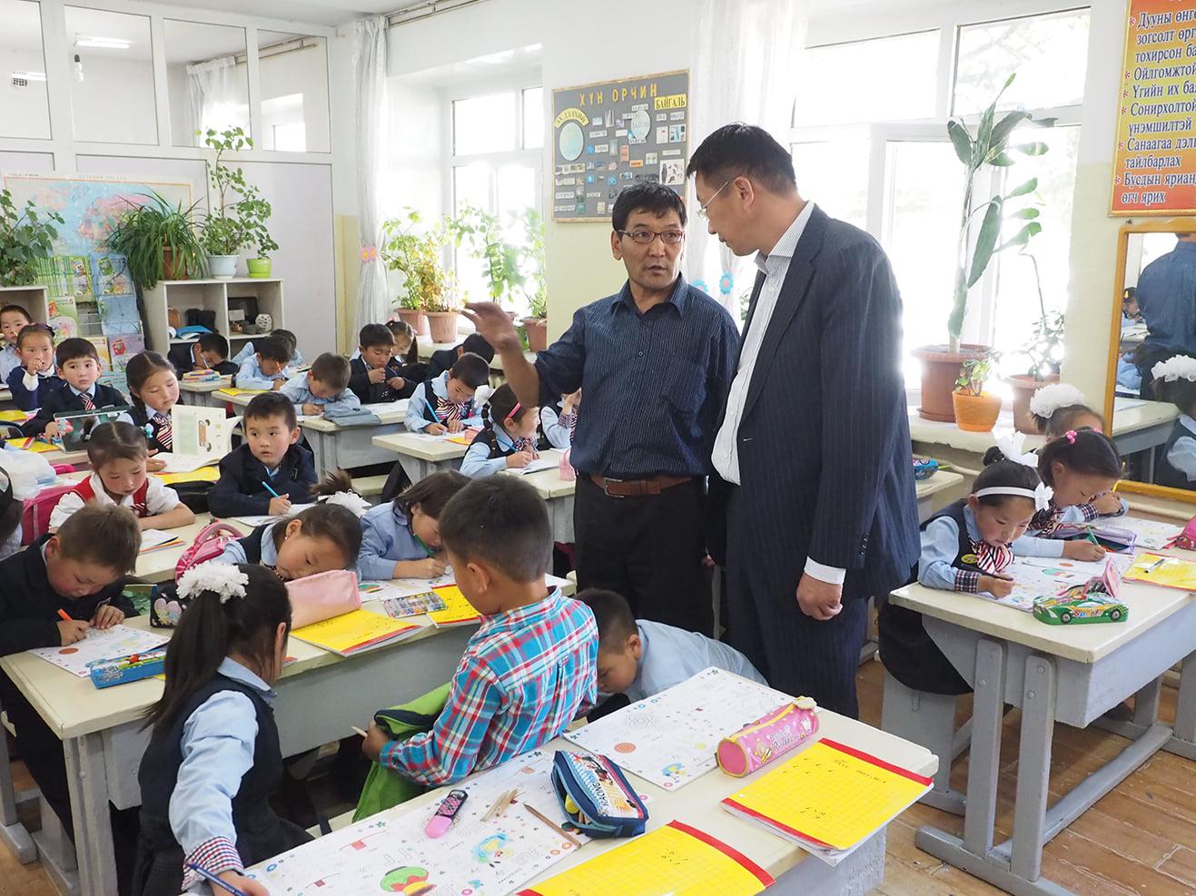 Хөвсгөл аймгийн 32 сургууль, орчин үеийн шийдэл бүхий тохилог багш хөгжлийн өрөөтэй болно